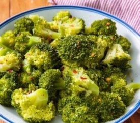 Brokolinin Faydaları ve 4 Farklı Brokoli Çorbası Tarifi